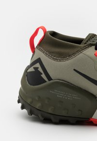 Nike Performance - WILDHORSE 7 - Trail running shoes - light army/black/cargo khaki/bright crimson/sequoia/light bone - 5