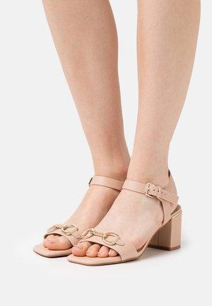ALINIFLEX - Sandals - bone