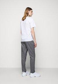 Missoni - SHORT SLEEVE  - T-shirt con stampa - white - 2