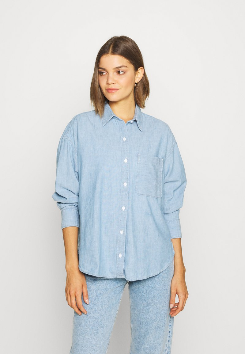Levi's® - THE RELAXED - Skjorte - light blue denim