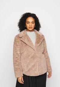 Dorothy Perkins Curve - SHORT WIGGLE - Winter jacket - mink - 0