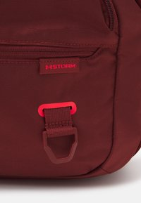 Under Armour - UNDENIABLE  - Sports bag - cinna red - 5