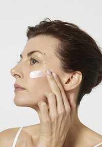 L'Oréal Paris Skin - REVITALIFT LASER X3 TAG 50ML - Face cream - - - 4