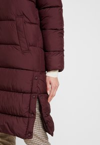 ONLY - ONLCAMMIE LONG QUILTED COAT - Płaszcz zimowy - port royale - 5