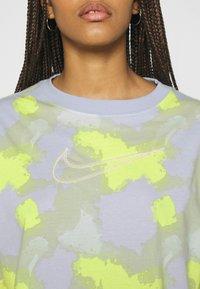 Nike Sportswear - DRESS - Jersey dress - barely green - 4