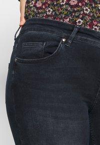 ONLY Carmakoma - CARWILLY LIFE RAW  - Jeans Skinny Fit - dark blue denim - 3