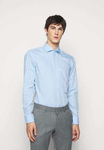 KASON SLIM FIT - Koszula biznesowa - light pastel blue