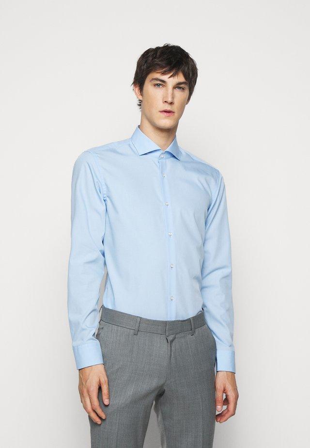 KASON SLIM FIT - Camicia elegante - light pastel blue