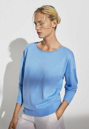 MIT FLEDERMAUSÄRMELN - Sweatshirts - blue