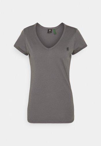EYBEN SLIM - Print T-shirt - magna