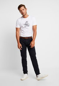 Dstrezzed - PRESLEY PANTS WITH BELT - Chinos - navy - 1