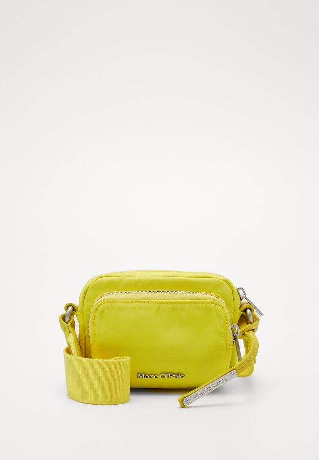 MINI CROSSBODY - Sac bandoulière - juicy lime