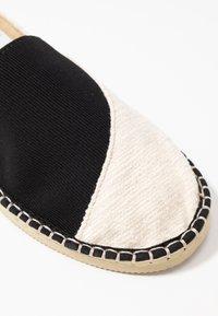 Havaianas - ORIGINE ELASTIC - Loafers - white/black - 2