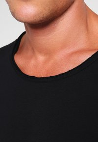 Tigha - WREN - Basic T-shirt - black - 3