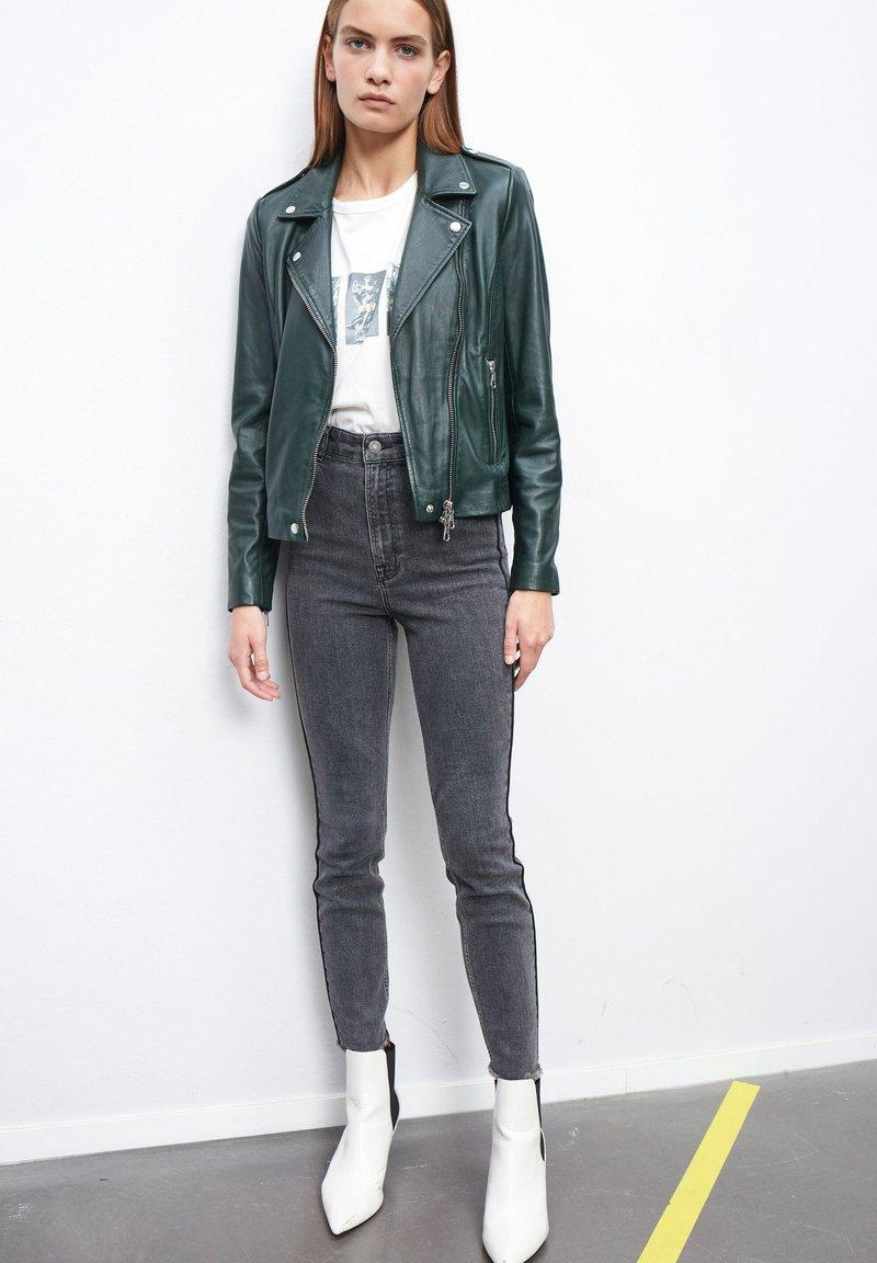 SET - THE TYLER - Leather jacket - scarab
