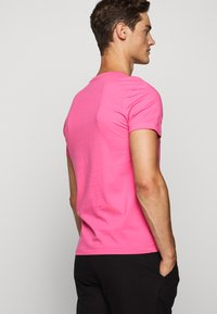 Polo Ralph Lauren - SHORT SLEEVE - T-shirt basic - blaze knockout pink - 4