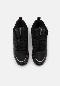 Reebok Classic - UNISEX - Sneakersy niskie - black/hivior - 3