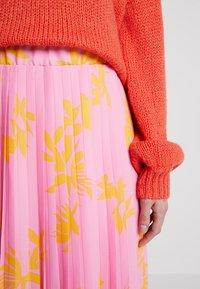 Marc O'Polo DENIM - SKIRT - A-line skirt - pink/orange - 4