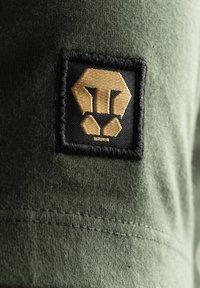 Liger - Basic T-shirt - military green - 4