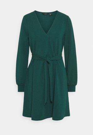VMCALI SHORT DRESS  - Day dress - ponderosa pine