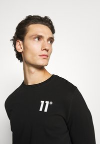 11 DEGREES - CORE - Long sleeved top - black - 4