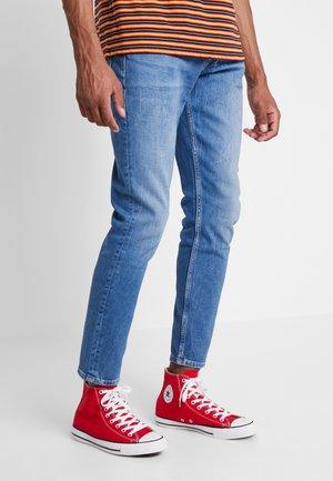 CALLEN CROP REGULAR - Straight leg jeans - blue denim