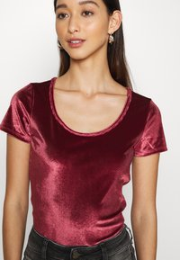 Hollister Co. - SCOOP BODYSUIT - Basic T-shirt - burgundy - 5