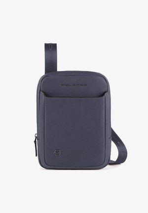 SQUARE  - Across body bag - blue4