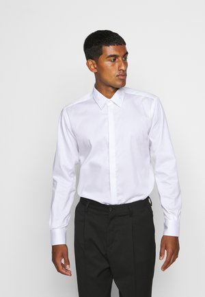 MODERN FIT - Formal shirt - white