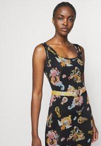 Versace Jeans Couture - LADY DRESS - Vestito di maglina - black - 4