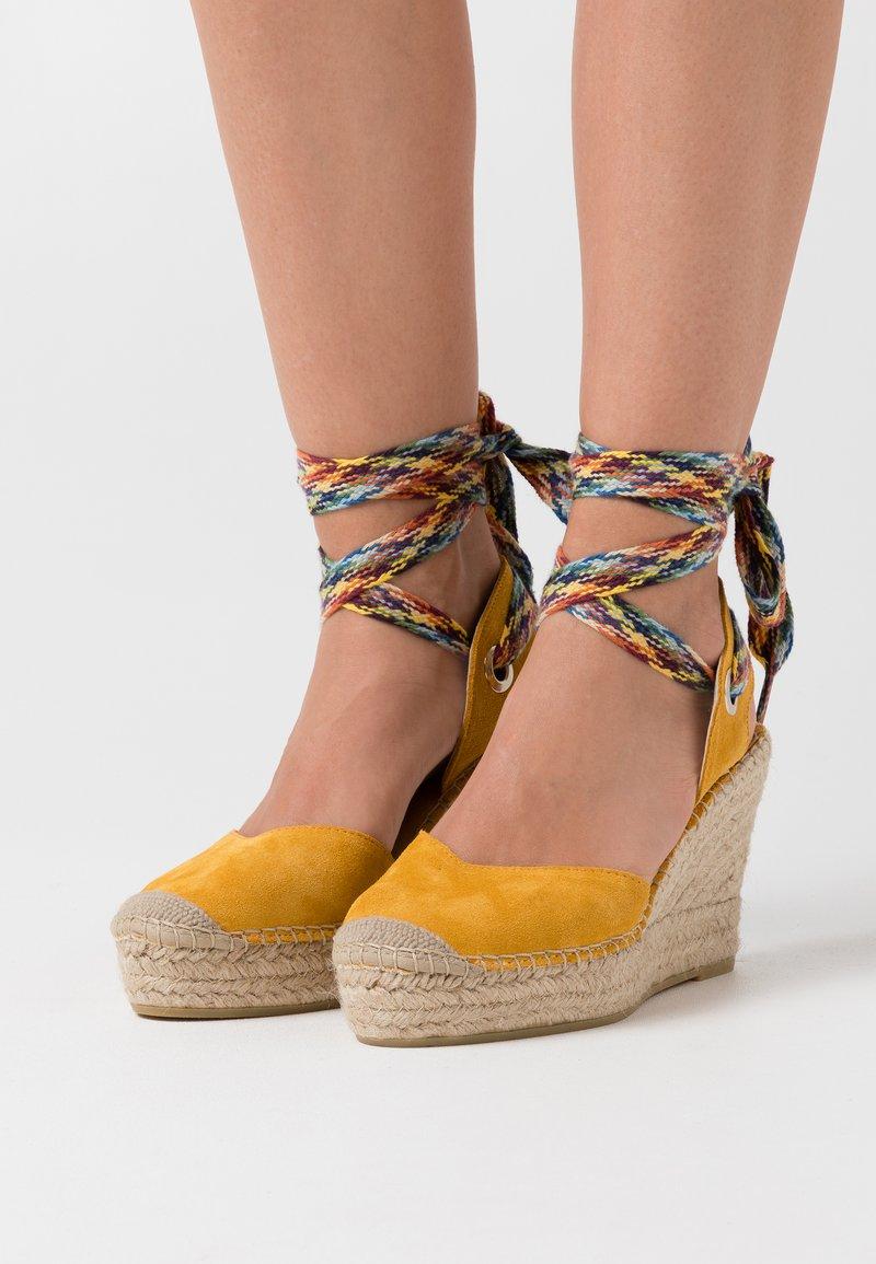 Vidorreta - High heeled sandals - mostaza