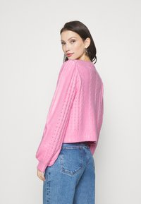 Miss Selfridge - PRETTY STITCH DETAIL SLEEVE CROP CARDIGAN - Cardigan - mid pink - 2