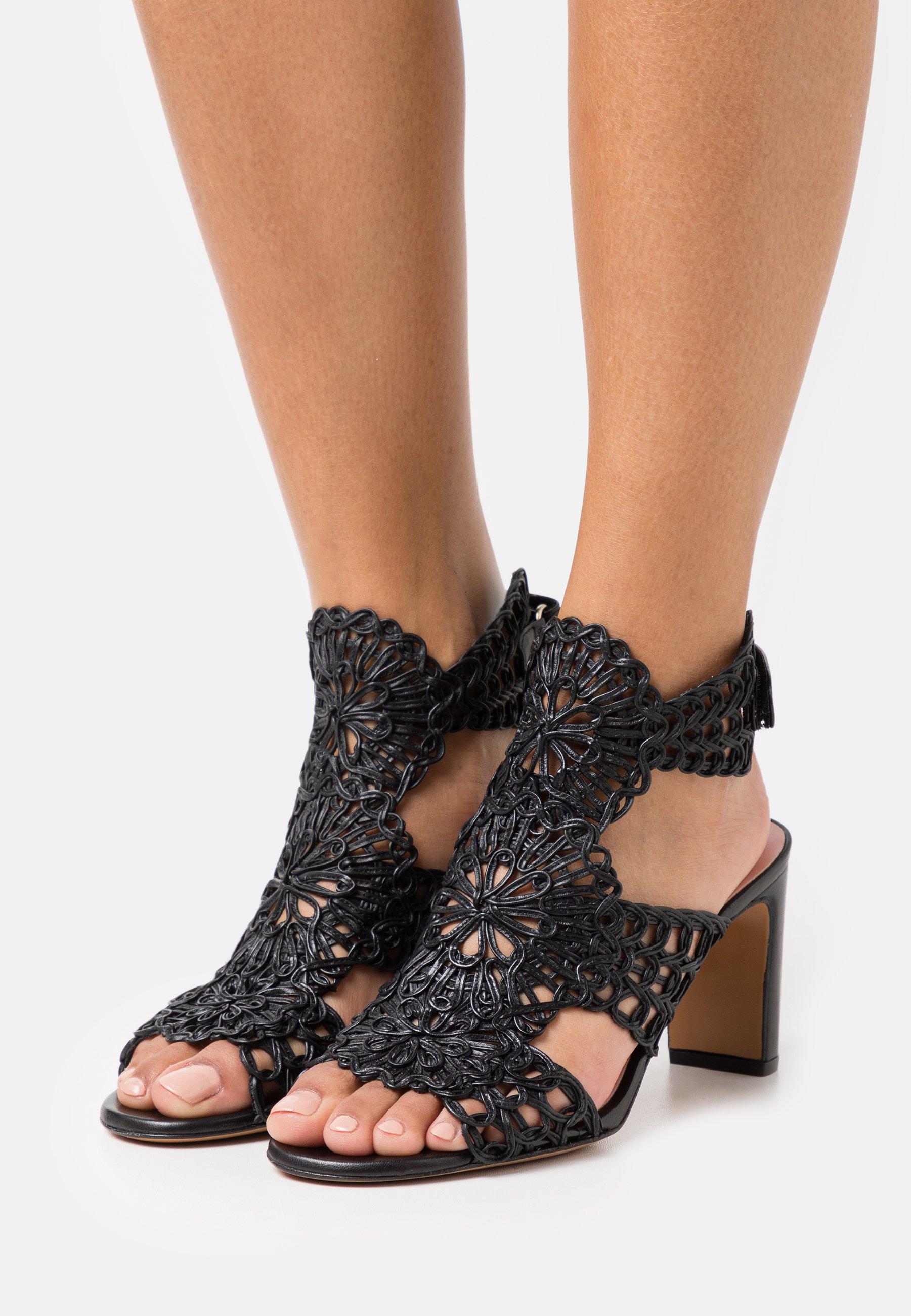 Women AMI  - Sandals
