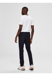 Selected Homme - FLEX FIT HOSE SLIM FIT - Chinos - dark sapphire - 2