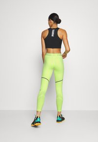 Puma - FIRST MILE EXTREME EXO-ADAPT LONG TIGHT - Medias - fizzy yellow - 2