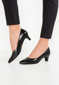 Peter Kaiser - EIKA - Classic heels - schwarz - 0