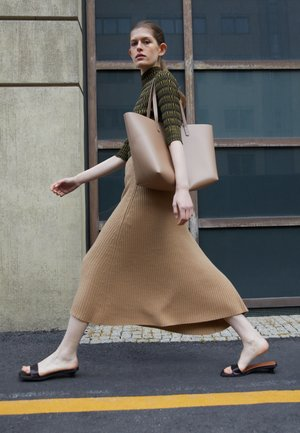 LARGE TOTE - Tote bag - biscotto/beige