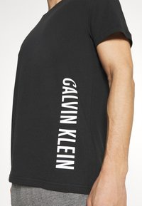Calvin Klein Swimwear - INTENSE POWER CREW TEE - Undershirt - black - 3