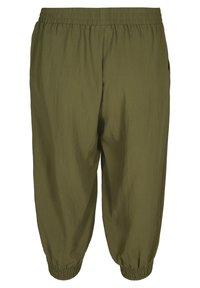 Zizzi - MIT TASCHEN - Shorts - ivy green - 2
