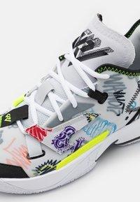 Jordan - WHY NOT ZER0.4 - Basketball shoes - photon dust/black/volt/university red/lucky green/total orange - 5
