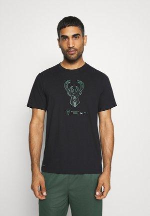 NBA MILWAUKEE BUCKS DRY LOGO TEE - Club wear - black