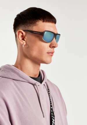 F19 - Sunglasses - grey