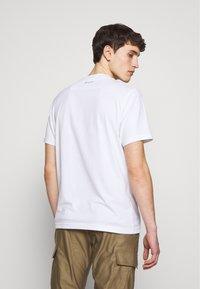 Ma.strum - ICON TEE - Basic T-shirt - optic white - 2