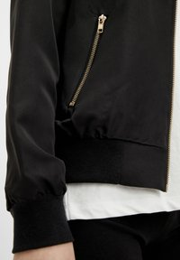Object - GLÄNZENDE - Bomber Jacket - black - 4