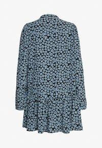 Glamorous - MINI V NECK TIER FLORAL DRESS - Day dress - dusty blue mini - 1