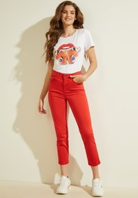 Guess - STICKEREI - Trousers - rot - 1