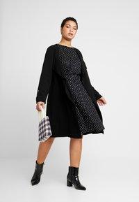MY TRUE ME TOM TAILOR - FLUENT ELASTIC WAIST DRESS - Day dress - black/white - 1
