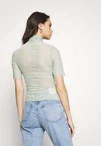 Who What Wear - THE RUCHED - Printtipaita - sage - 2