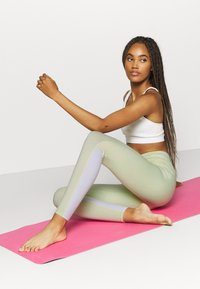 Cotton On Body - SO SOFT - Leggings - lemonade - 1