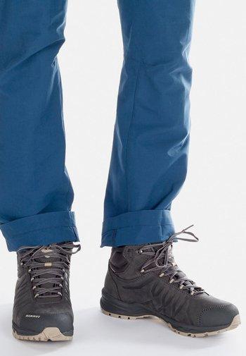 MERCURY III MID GTX MEN - Hiking shoes - bark/dark cloud